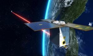 「スペースレーザー」現る:スターリンク衛星間光通信実験始まる